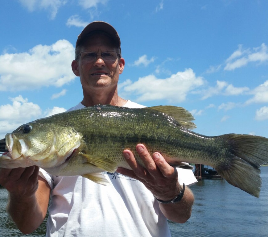 Texas bass fishing guides put clients on the big fish for Big bass fishing